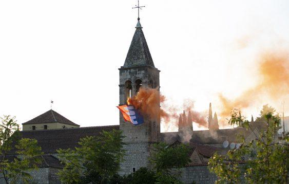 NH barjak na zvoniku sv. Ante